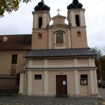 Paveikslas Šv. Kryžiaus bažnyčios fasade
